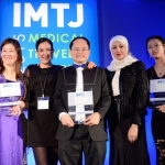 Winner of 'International dental clinic': Imperial Dental Specialist Centre. Collecting: Dato' Dr. How Kim Chuan, Managing Director.
